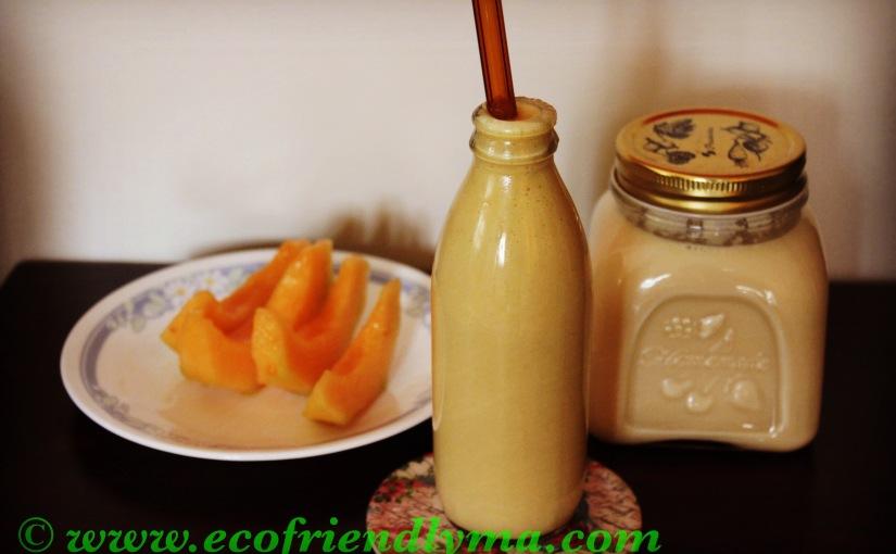 Homemade organic muskmelon milkshake