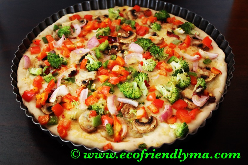 Homemade veg pizza 🍕with fresh baked pizzabase